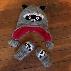The Children's Place Hat and Mittens Set